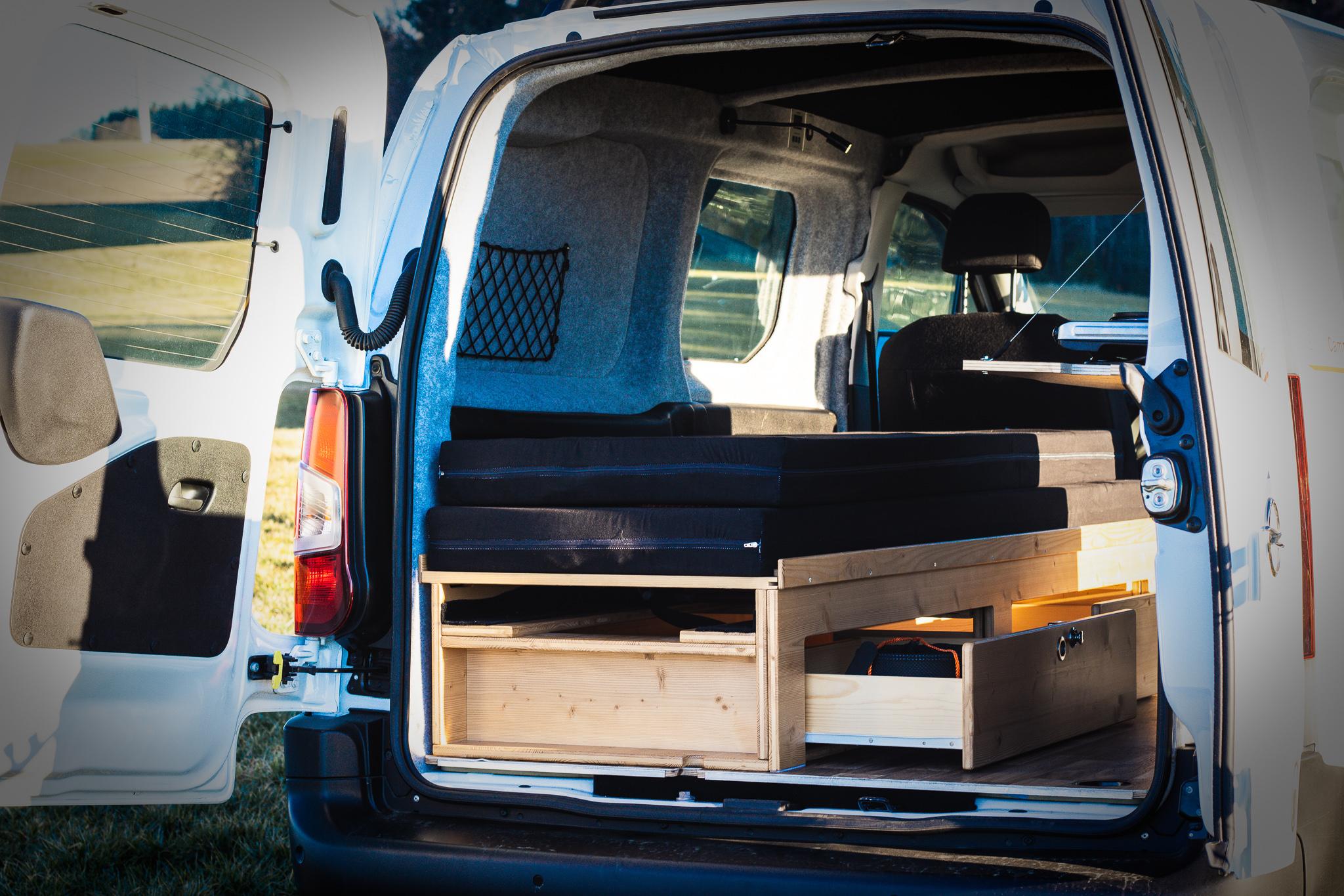 Sitz- und Schlafbox des SimplyCamper